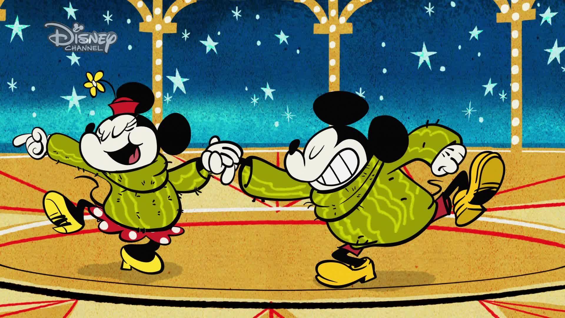 Miki w szortach - Dwa swetry