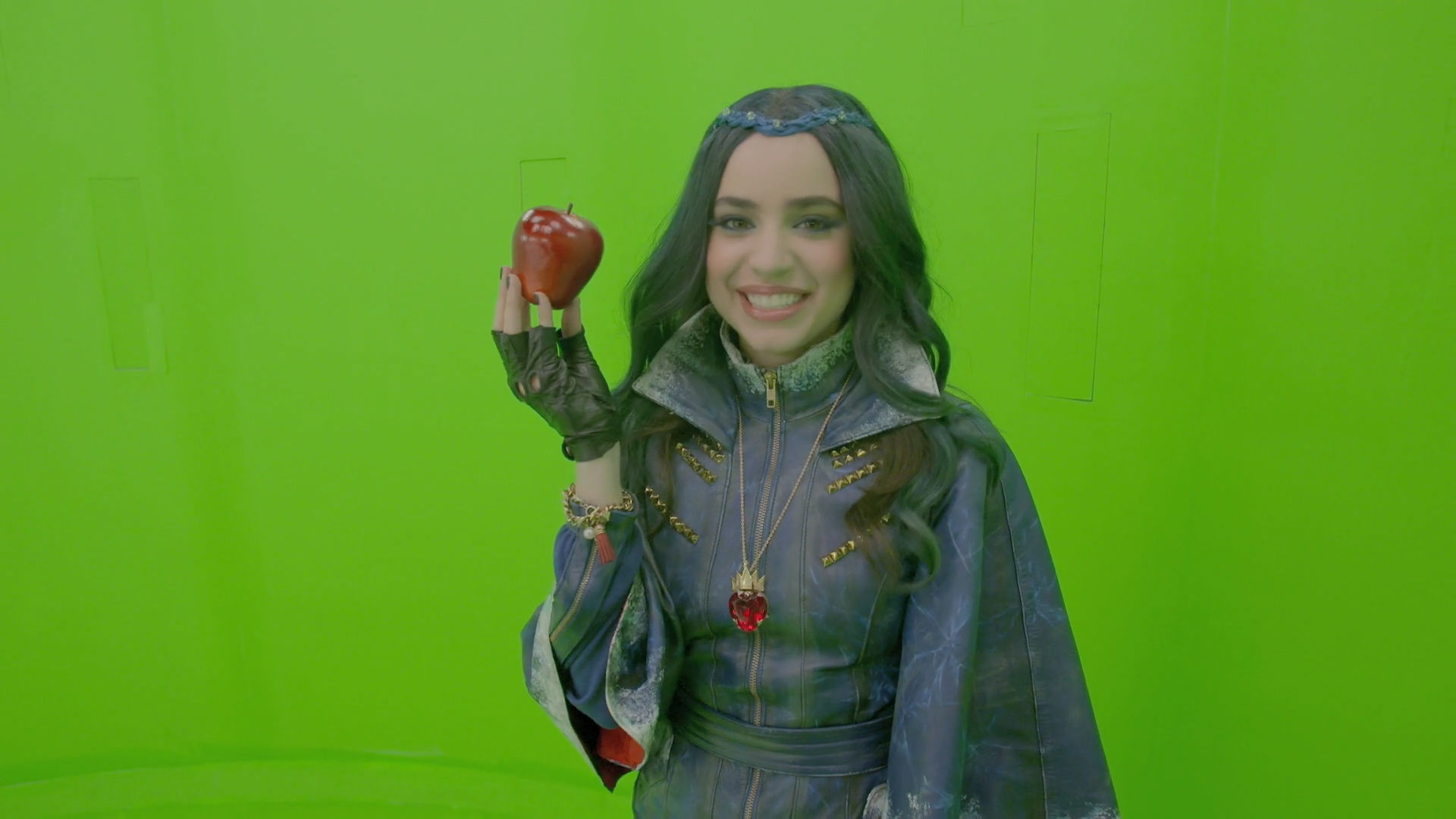 "Sofia Carson: Making of ""œRotten to the Core"""