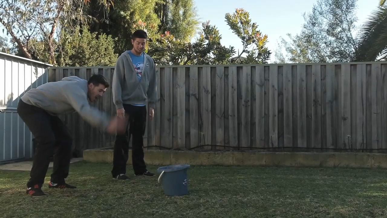 DIY How Ridiculous: Ball In A Bucket
