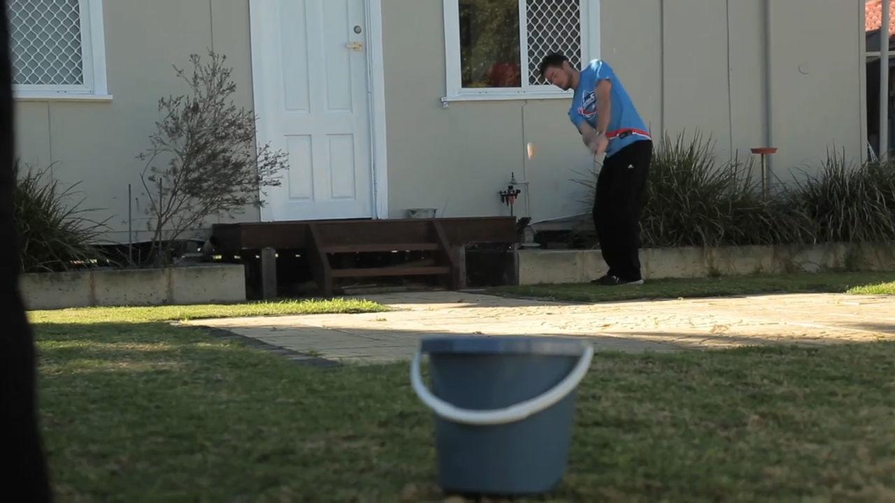 DIY How Ridiculous: Backyard Golf Challenge