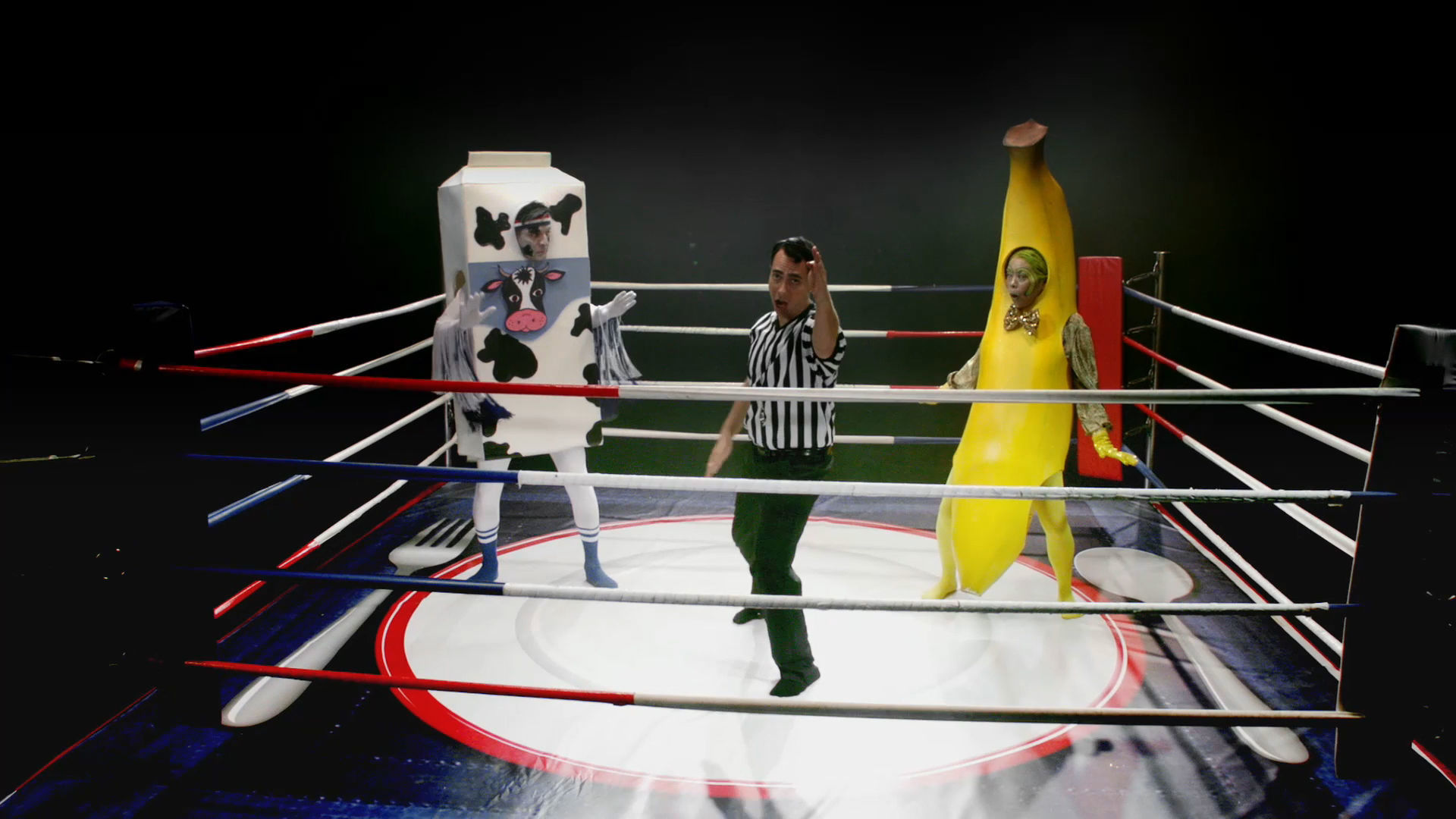 It's A Snackdown Banana-nanana-nananana vs. Mega-Moo