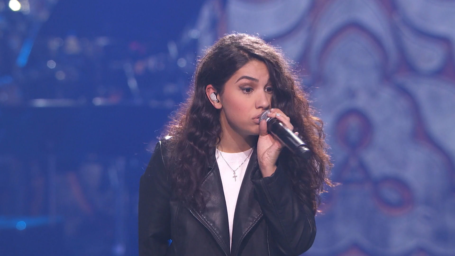 "ALESSIA CARA ""One Love"""