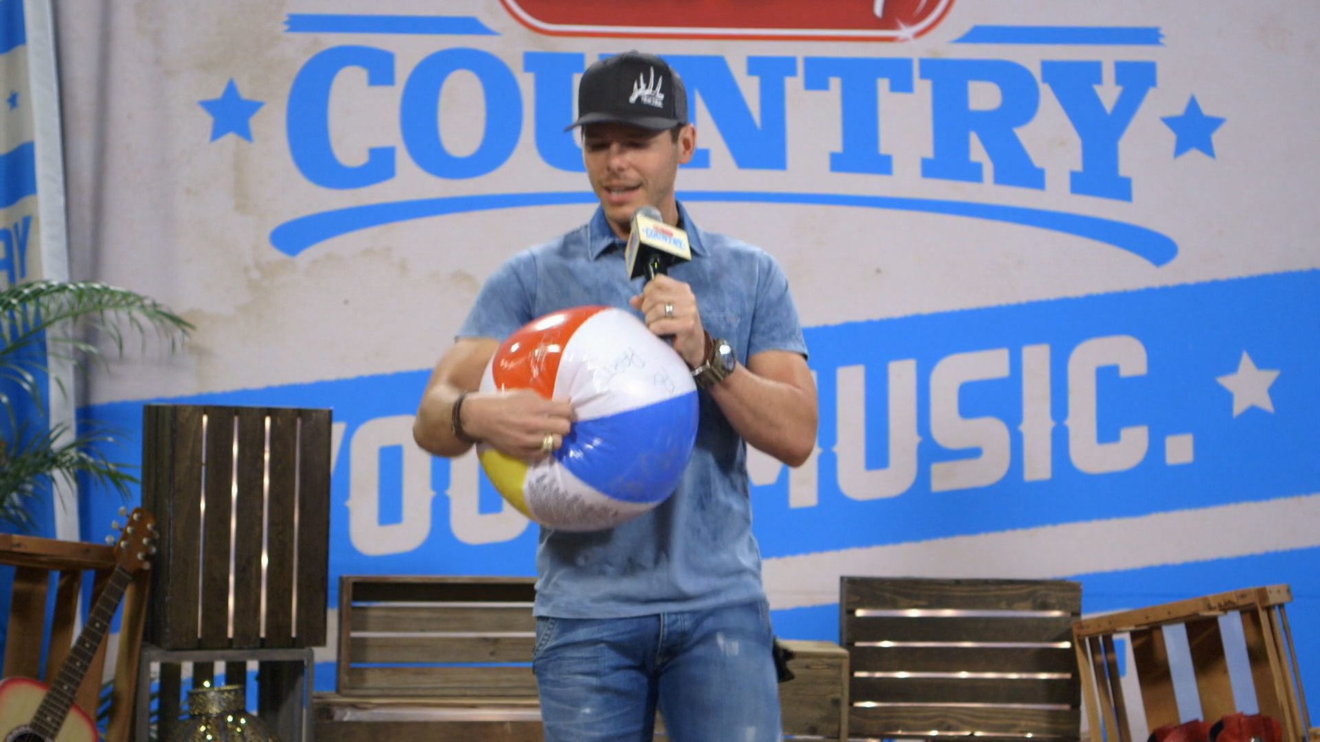 Granger Smith - Beach Ball Song Challenge | Radio Disney Country