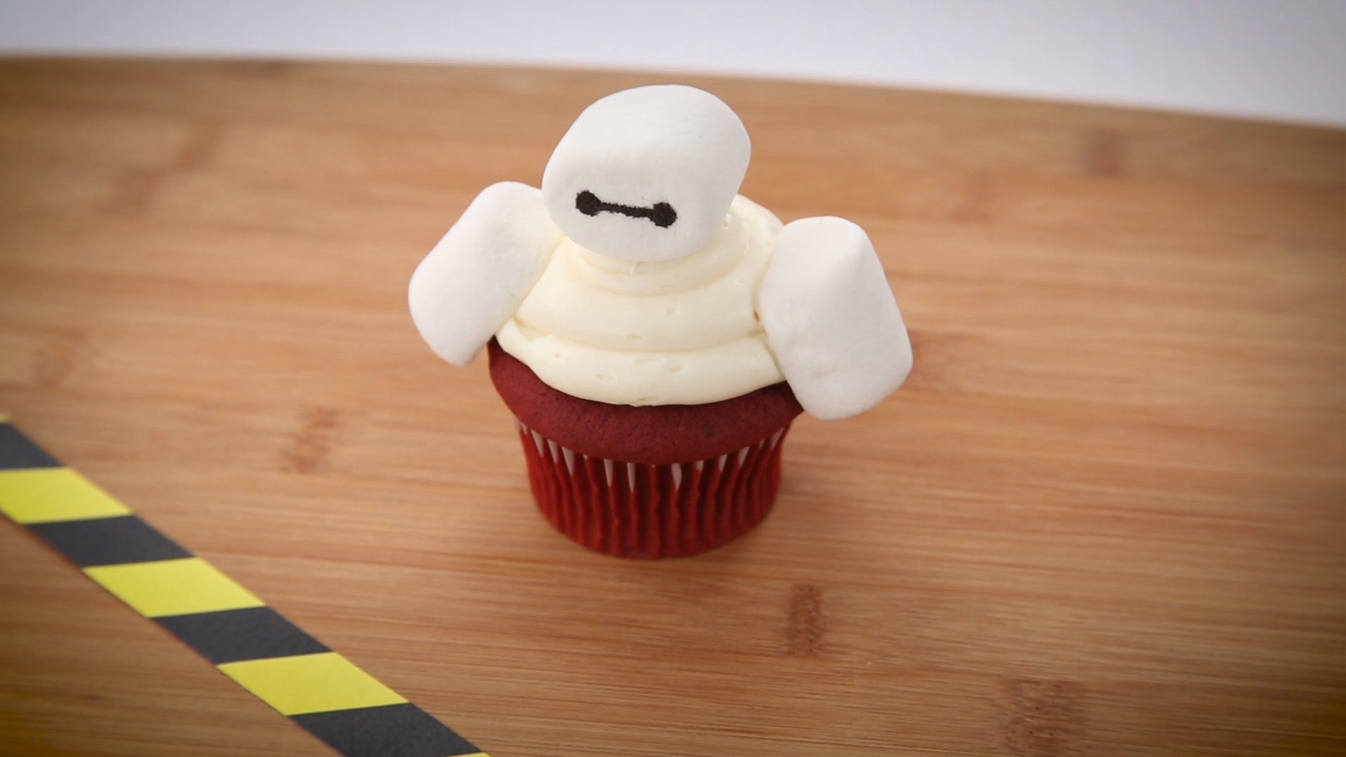 Baymax Cupcake | Dishes By Disney