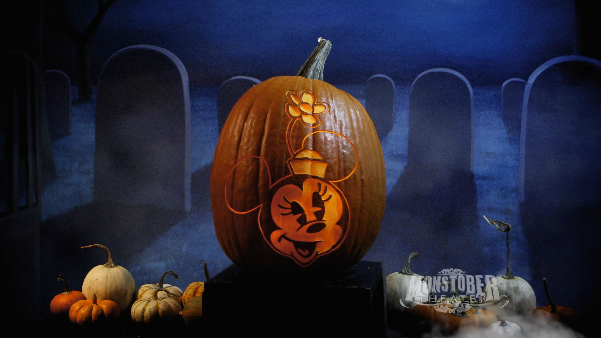 Minnie Mouse Pumpkin Carving