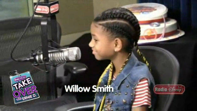 Willow Smith - Pranking Justin Bieber