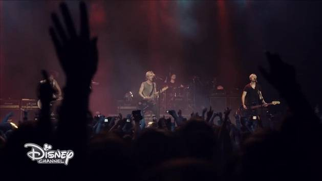 R5 - Live London - Aint No Way We Are Goin Home