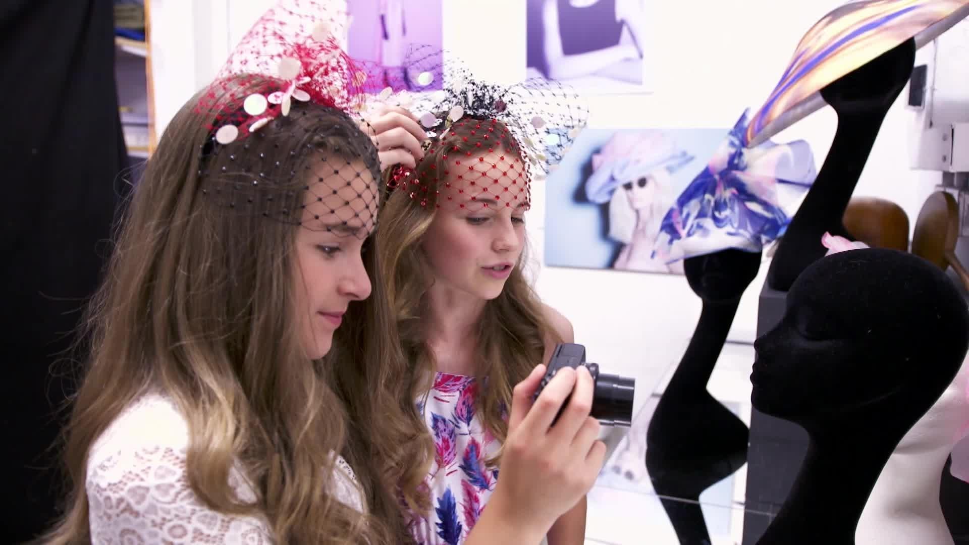 Minnie y la Moda - Sombrerero