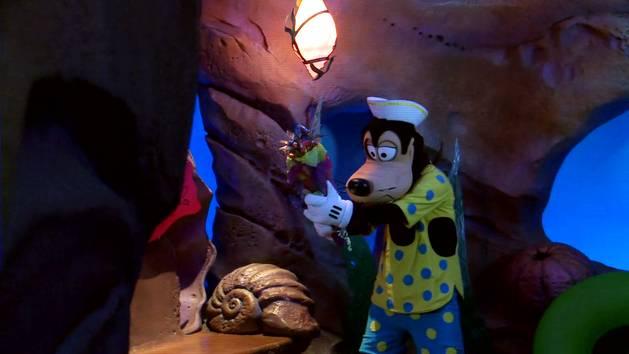 ¡El Lado Romántico Disney De Goofy Está Floreciendo!