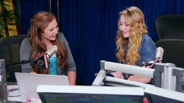 Disney Channel's Game On with Sabrina Carpenter - Club Penguin