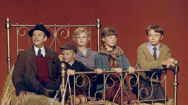 Sodium Screen - Featurette - Bedknobs and Broomsticks