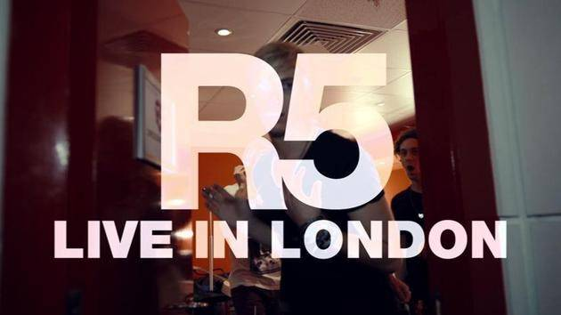 """(I Can't) Forget About You"" (Live In London) - R5"