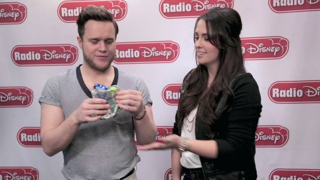 Wrapped Up Game with Olly Murs - Radio Disney