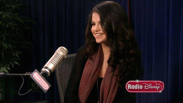 "Selena Gomez - ""Come and Get It"" - Radio Disney Take Over"
