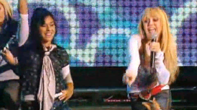 Nobody's Perfect + Q and A - Hannah Montana D Concert