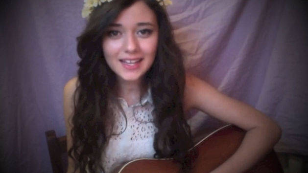 Juliana, 16, CA sings Part of Your World