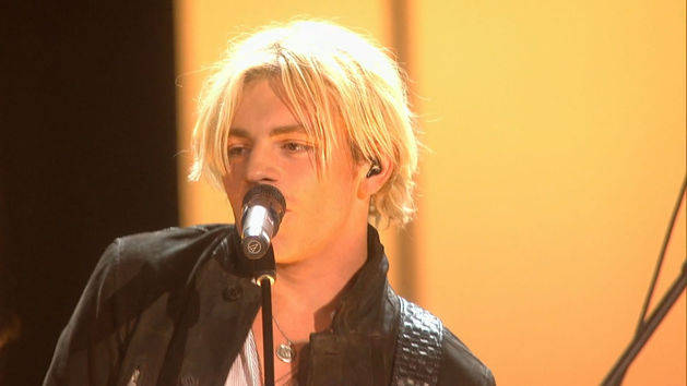 "R5 - ""Smile"" & ""Let's Not Be Alone"" - 2015 RDMA Performance"