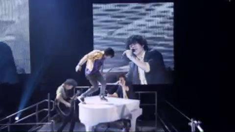 Look Me In the Eyes - Jonas Brothers