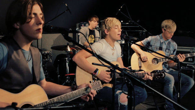 Here Comes Forever (Acoustic) - R5