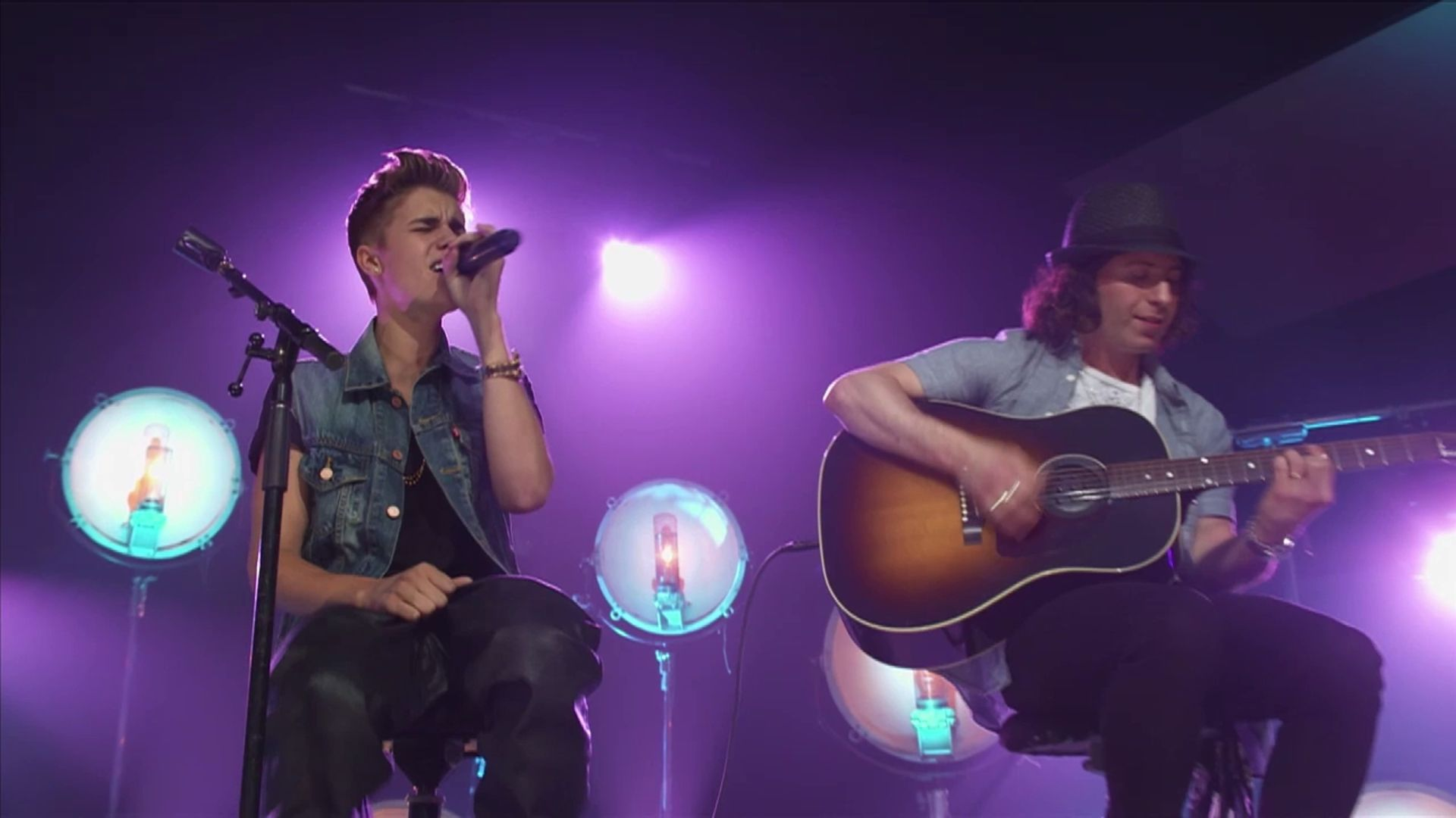 All Around The World (Acoustic) (Live) - Justin Bieber