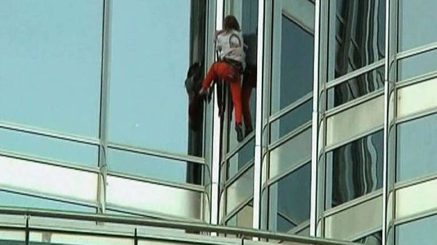 French Spiderman Scales World's Tallest Building