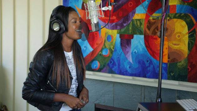 Holla at the DJ Behind The Scenes - Coco Jones