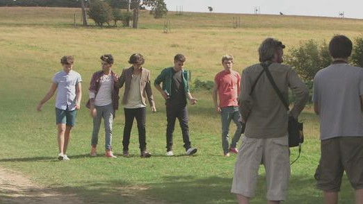 Live While We're Young (Behind The Scenes) - One Direction
