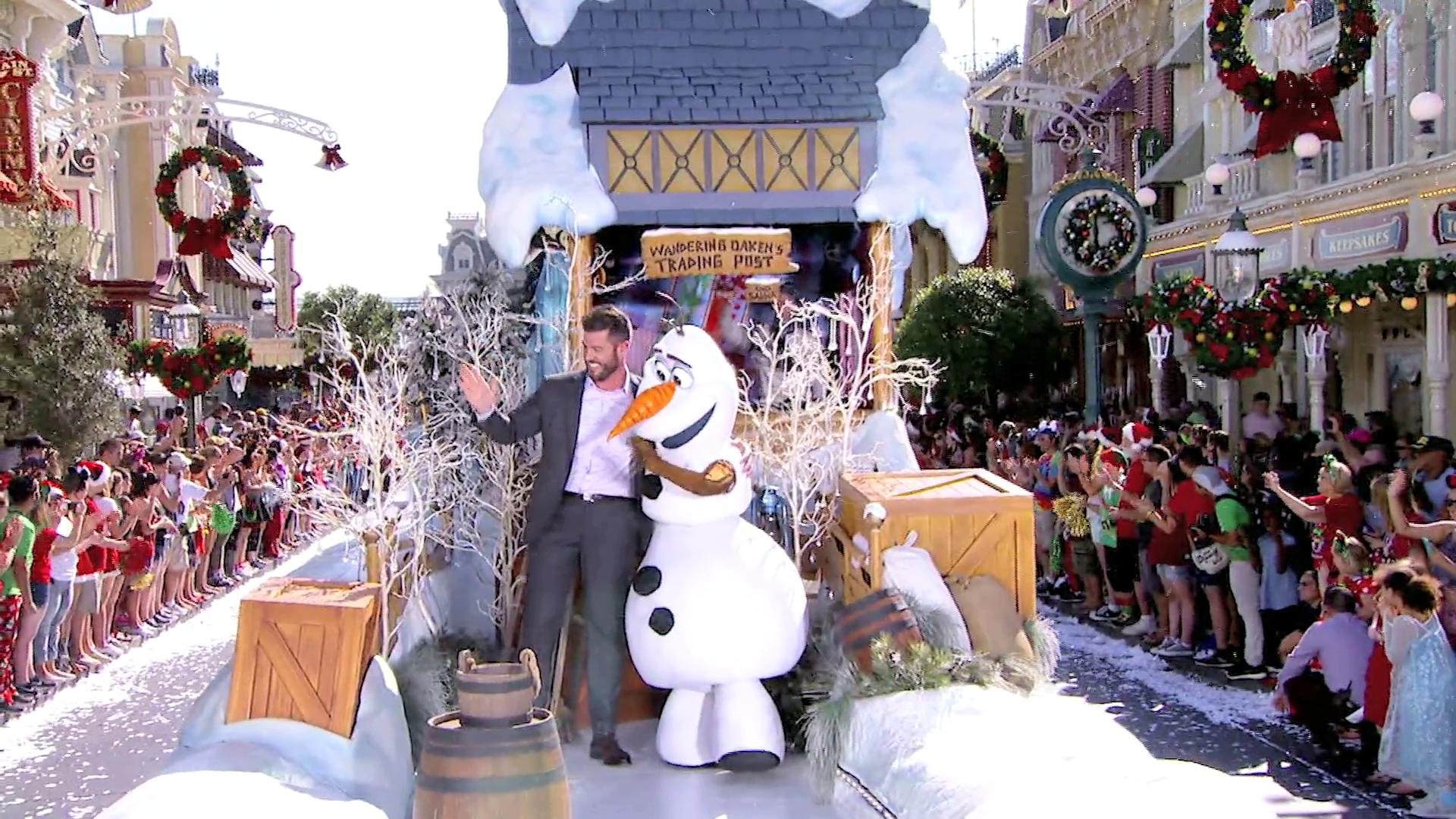 Unforgettable Christmas Celebration | Disney Parks