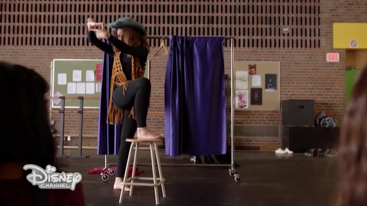 Può l'arte garantire una carriera? Segui gli episodi di Backstage!