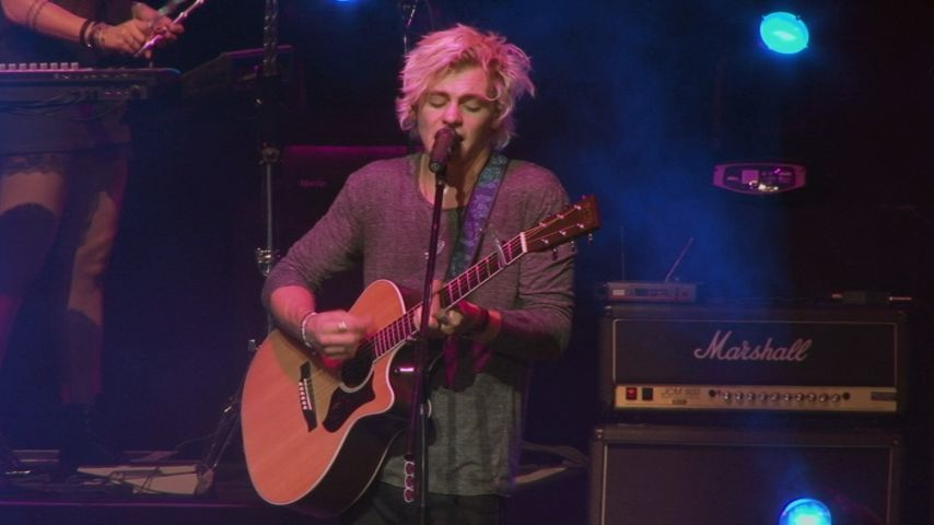 "All Day, All Night: ""Things Are Looking Up"" (Live Performance) - R5"