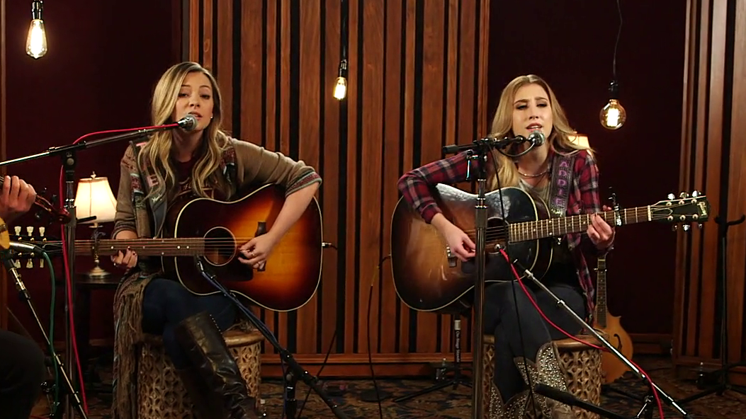 "Maddie & Tae ""Fly"" (Acoustic) 