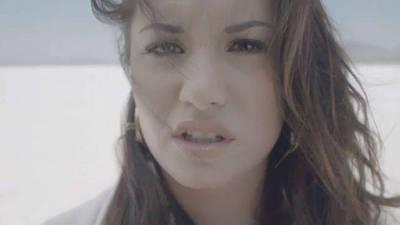 Skyscraper - Official Music Video - Demi Lovato