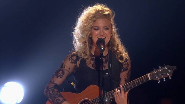 "Tori Kelly - ""Nobody Love (Acoustic)"" - 2015 RDMA Performance"