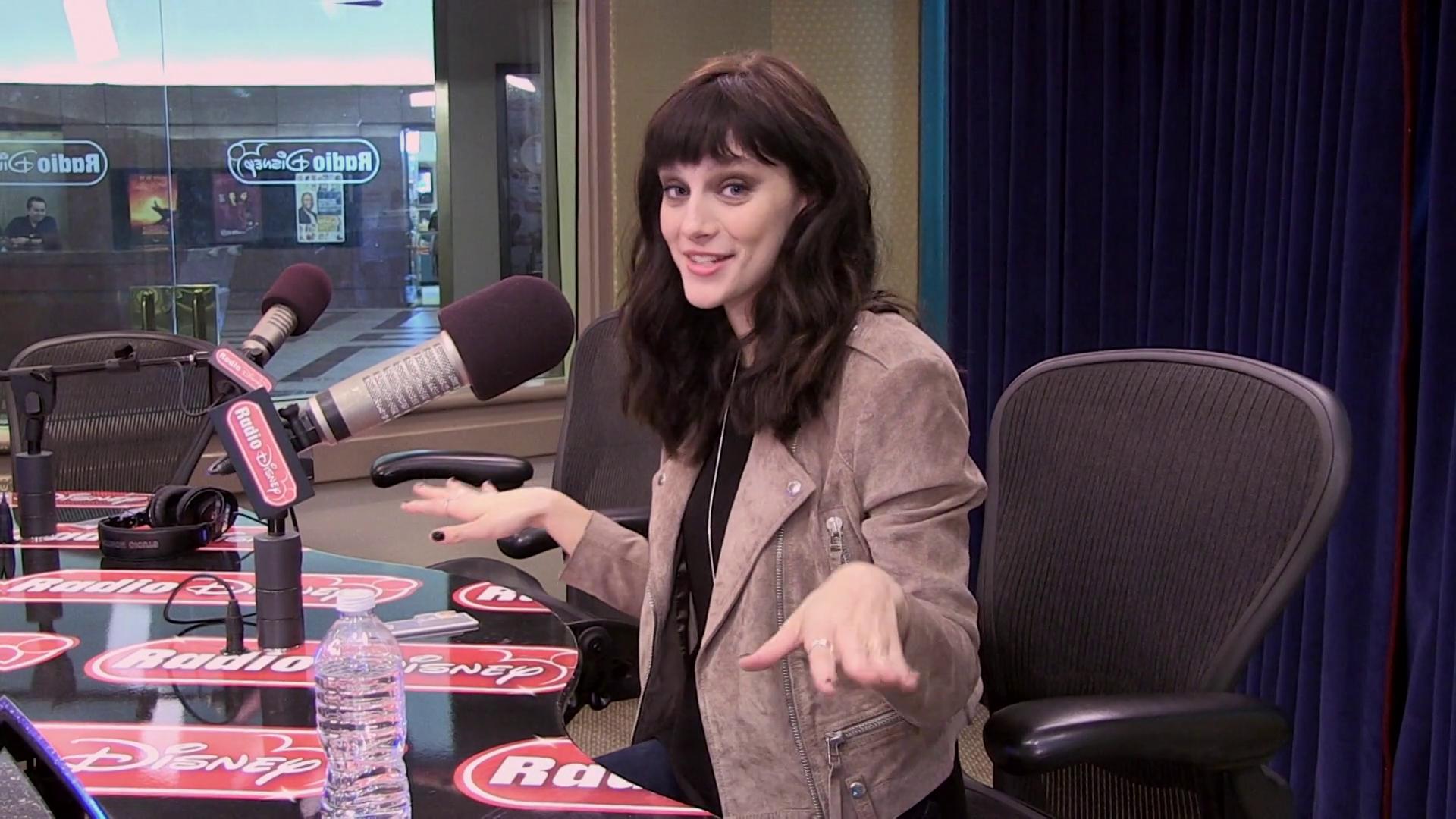 Aubrey Peeples - How to Dress Like Jem   Radio Disney