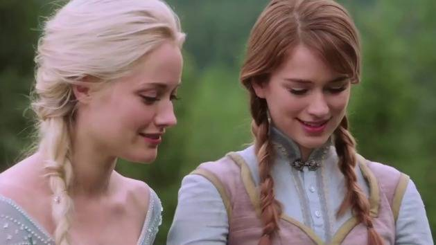Meet Anna and Elsa from Once Upon A Time - Oh My Disney