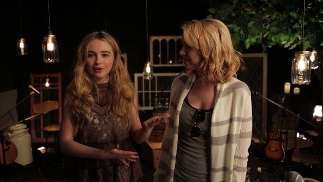 Sabrina Carpenter & Nikki Phillippi Talk Style