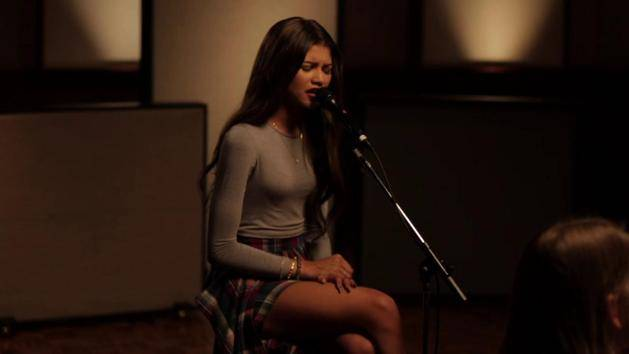 Bottle You Up (Acoustic) - Zendaya