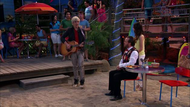 "Austin Moon: ""Stuck On You"""