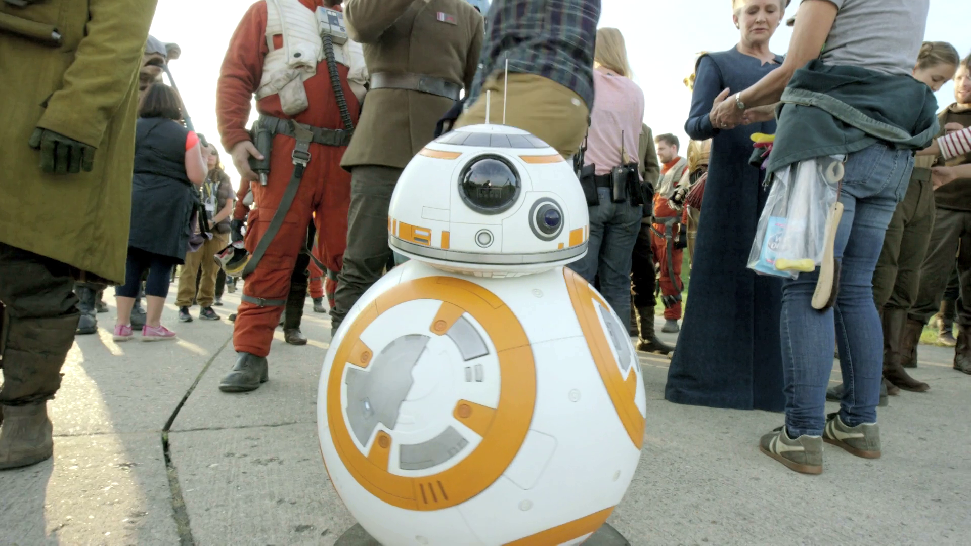 Designing BB-8 - Secrets of The Force Awakens