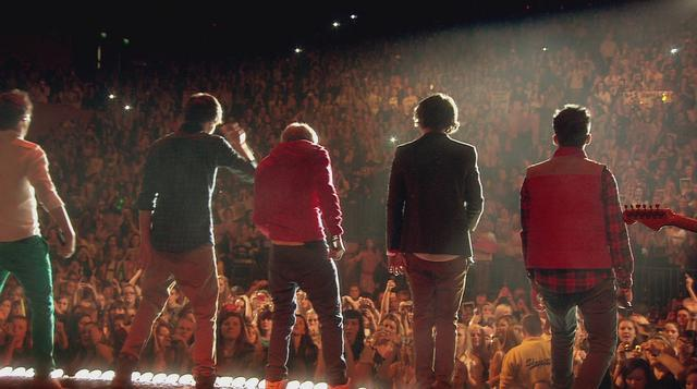 """""""What Makes You Beautiful"""" (Live) - One Direction"""