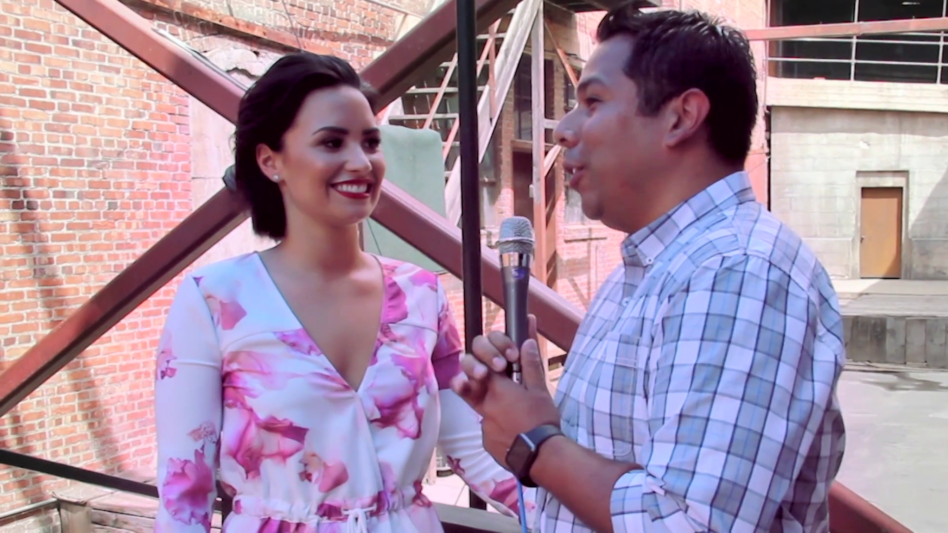 Cool Or Not with Demi Lovato - Radio Disney