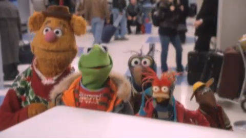 A Muppets Christmas - North Pole Airlines