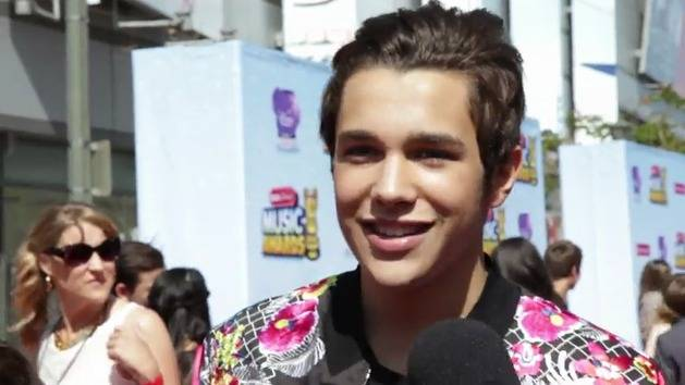 Austin Mahone - RDMA 2014 Red Carpet Interview