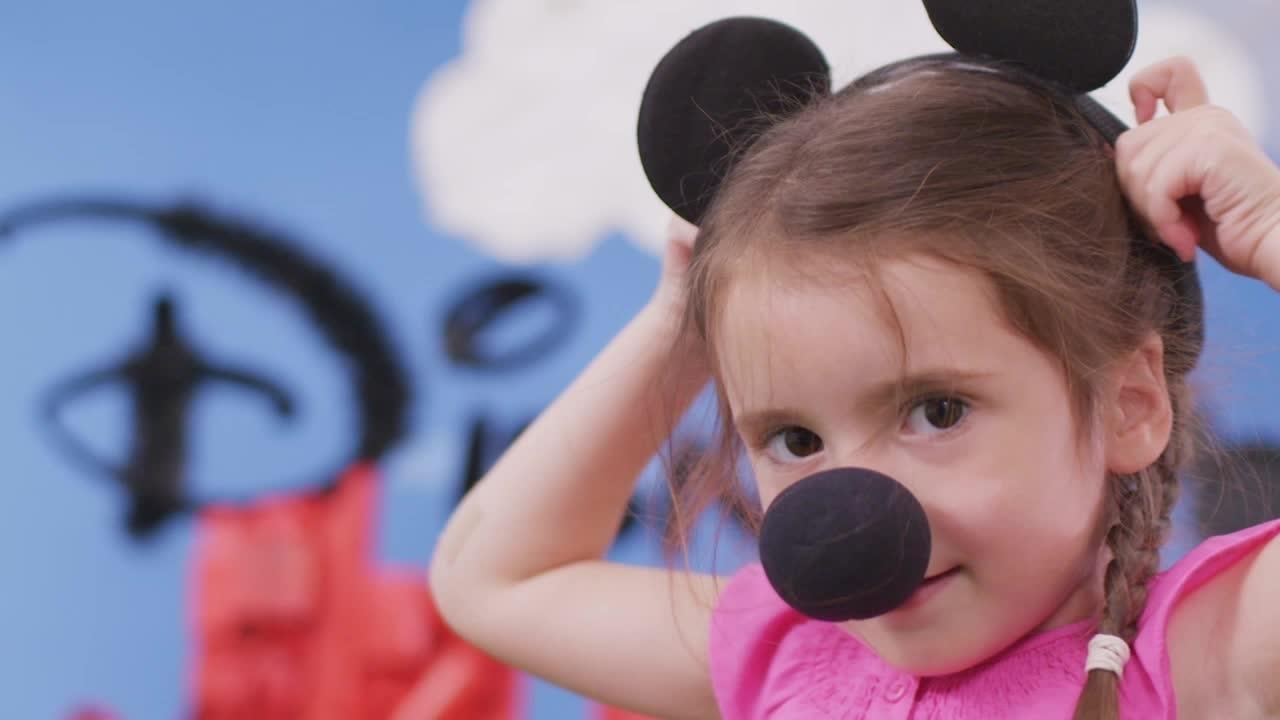 Giyim Partisi - Mickey