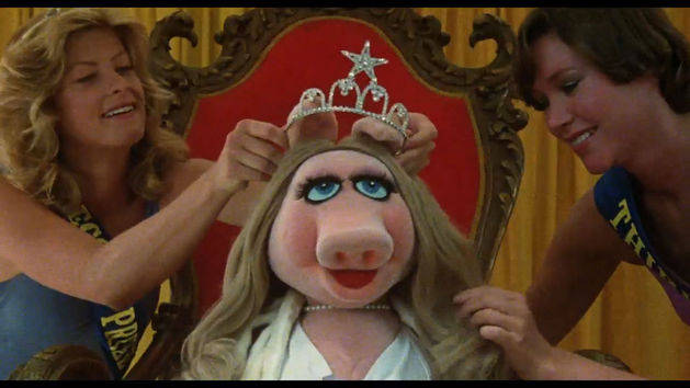Miss Piggy Sees Kermit - Clip - The Muppet Movie