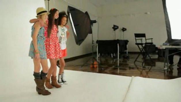 Disney Fashion Lounge - Jessie: Behind the Scenes