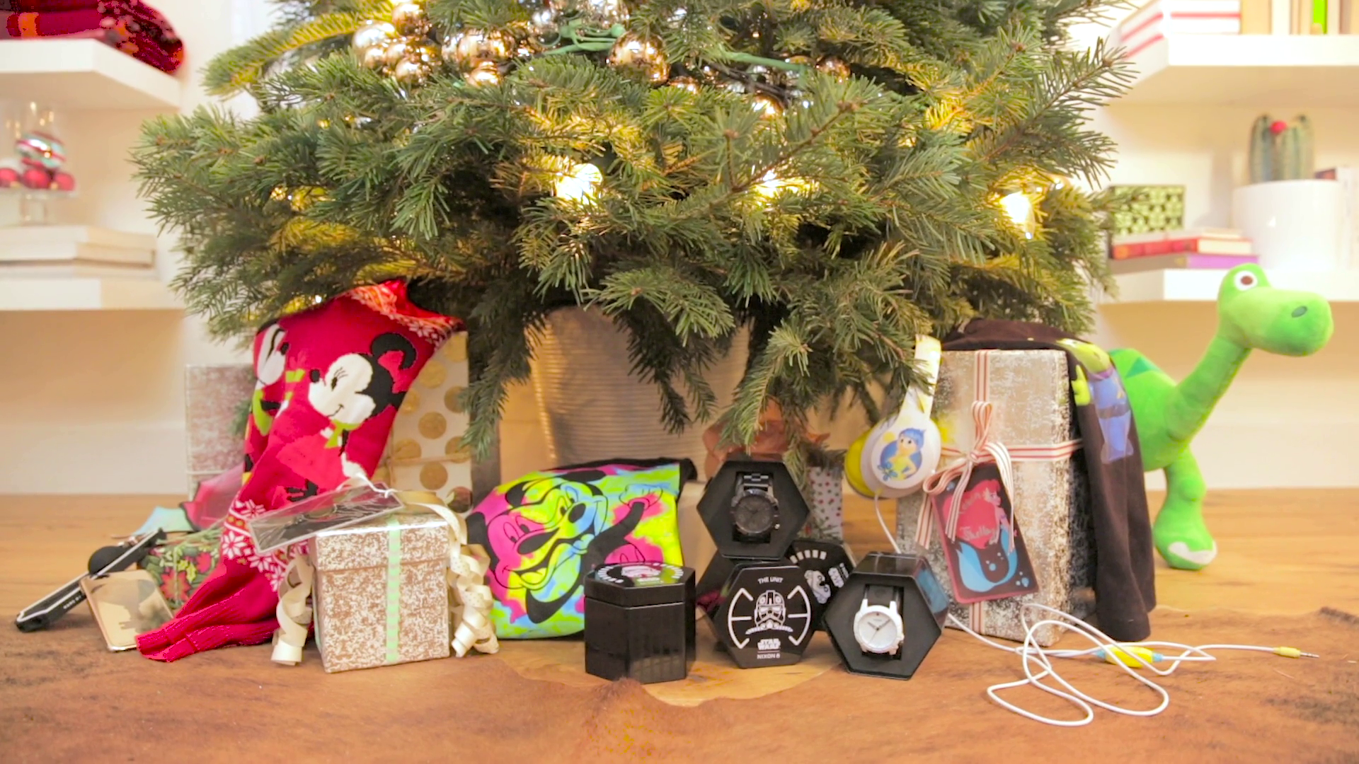 Be Our Guest: Holiday Gift Guide   Disney Style