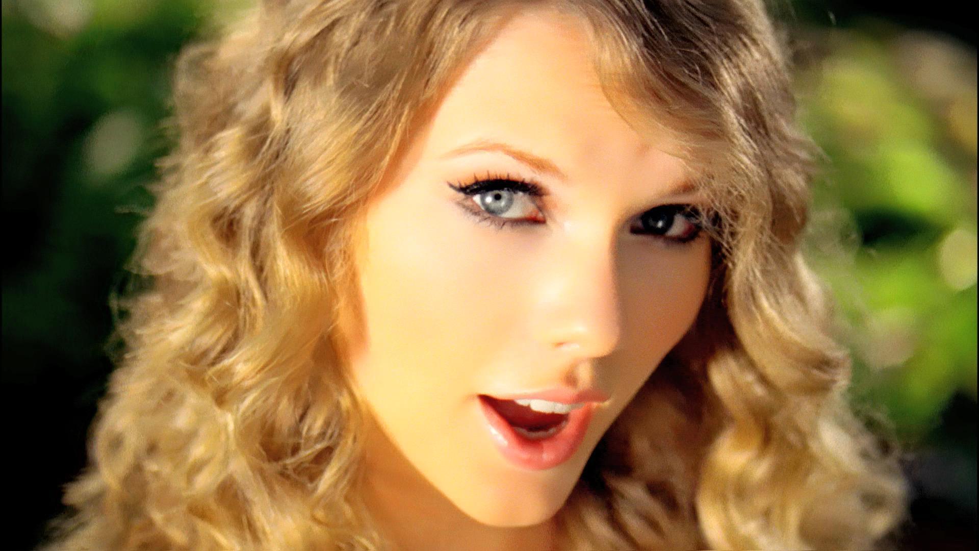 """Mine"" - Taylor Swift"