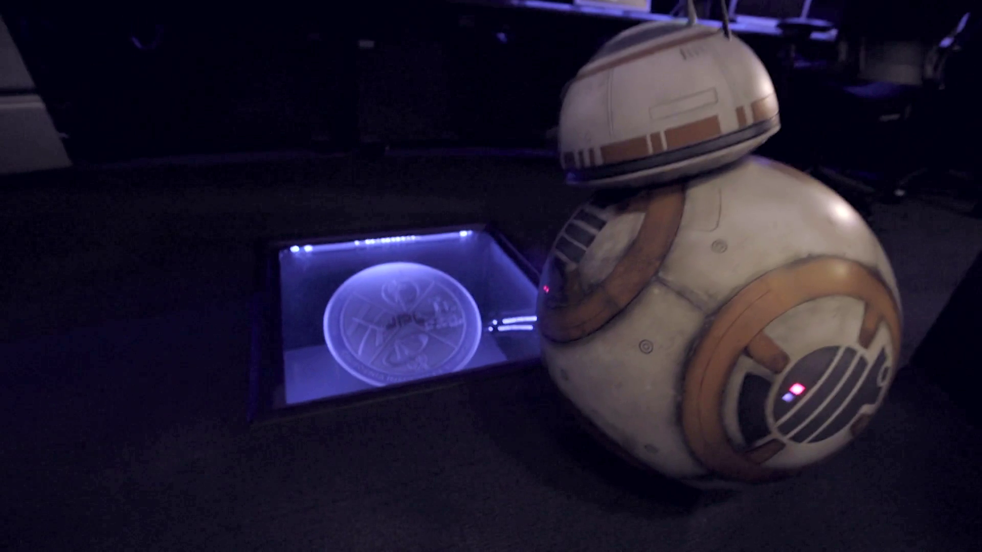BB-8 Goes to the Center of the Universe