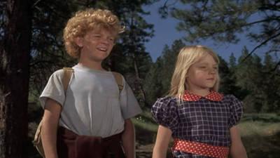 Napoleon and Samantha Trailer